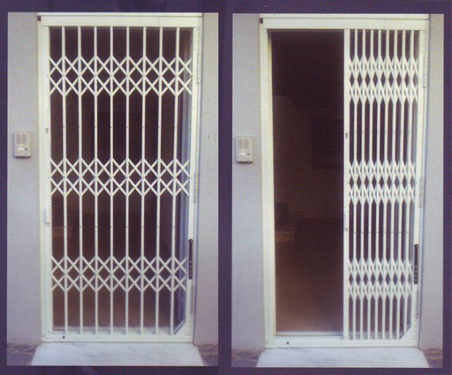 Πτυσσόμενες Πόρτες & Κάγκελα Ασφαλείας